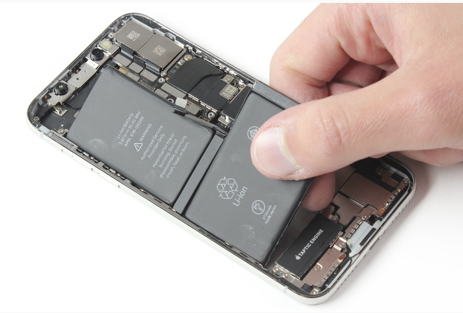 "La ""double"" batterie de l'iPhone X"
