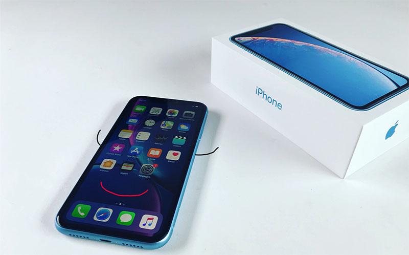 iPhone XR revit
