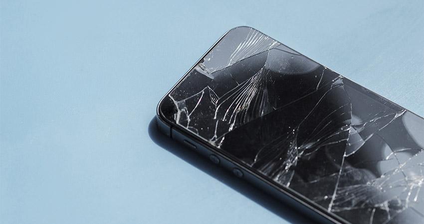 Poser verre trempé écran cassé