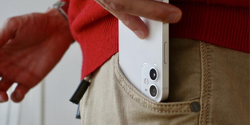 Problème iPhone 12, le châssis se décolore vite !